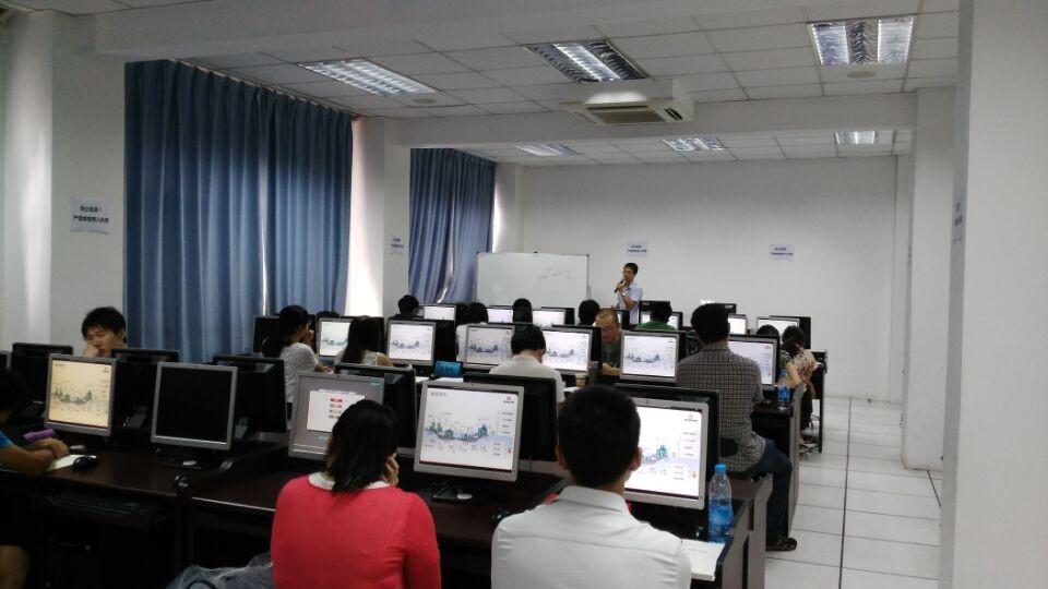 上海CPDA第23期课程顺利开课,学员认真听课
